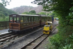 … before going back to fetch the passenger carriages, with No. 9 parked ready to (eventually) take the waggons back down to the shed.