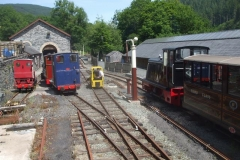Tony returns with No. 9 after delivering the waggons to Corris for the gravity train …
