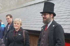 … and Guard Amanda and Controller Richard, are dressed smartly!