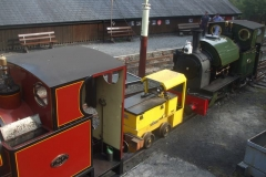 After a very successful weekend, the locomotives are lined up in traffic light sequence ...