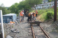 Back up the line, the last sleeper to be replaced today is tamped …