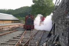 Later, No. 7 gives No. 5 a steam clean!