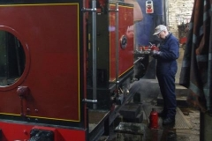… with Dave fitting re-lined slippers to the slide bars while the boiler slowly warms up …
