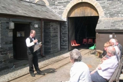 Sunday, 18.5.14. DC entertains a modest group of passengers to a Shed Talk …