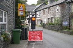 Sunday, 18.9.2016. Good grief! Traffic lights in Corris over the weekend.