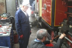 Meanwhile, Dave has been adding a packing washer to No. 7's valve gear, with Trefor checking all is tightened up afterwards …