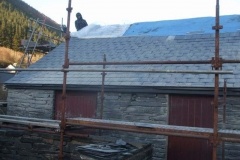 Monday, 19.3.2018. With frost & snow limiting other work, joints have been cleaned out today ready for pointing. The roof is covered to keep it dry for delicate posteriors in the morning!
