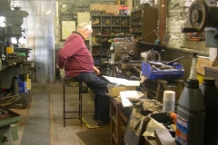 Tuesday, 22.9.15. Graham has an itchy back in otherwise his usual position (and Bob is around the corner, on another lathe but with no itches) ...