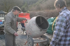 Outside, Tony has joined the concreting gang, but the mixer keeps cutting out. Steve investigates …