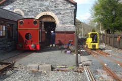 Wednesday, 12.5.2021. No. 7 simmers gently after having new safety valve seatings fabricated by Phil and fitted by Dave tested, to ensure all is in accordance with the requirements of our boiler inspector. Richard arrives back with No. 9, after taking the Heritage waggons to Corris for videoing purposes …