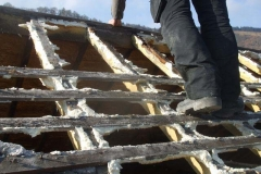 Friday, 23.2.2018. The rear of the Coach House roof has been stripped, revealing rotten rafter ends – partially as expected.