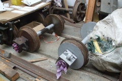 … before moving on to clean and prime parts of another carriage bogie and wheelsets.