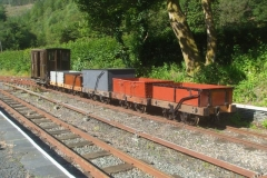 … to photograph and video No. 7 hauling our rake of Heritage waggons …
