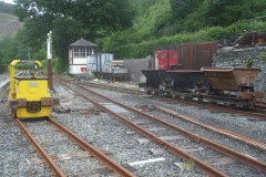 … while locos 9 & 5 (plus waggons) wait patiently at Maespoeth for their return.