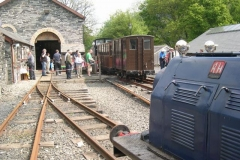 … and then departs for Corris with the light train assembled by No. 5 earlier …