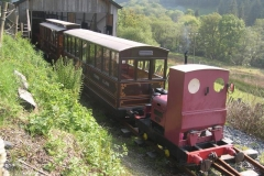 As a result, No. 5 is re-arranging the passenger carriages for the day …