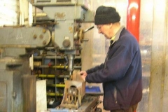 … and in the Engine Shed, Chris continues milling axleboxes. This will be the last one done for carriage No. 23!