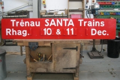 Saturday, 27.8.2016. A Saffery is about – with a new universal Santa advertising board for the gantry!