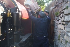... but coaling on the fuel siding is a bit of a squeeze!