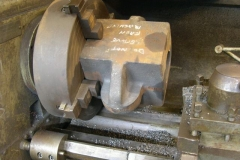 … and the carriage axlebox in the lathe has been turned around to face the opposite face.