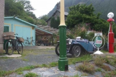 The new garage in Corris appears to be hosting some customers!