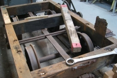 … and adjacent, the corner plates have all been removed from the waggon's frames …