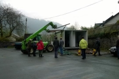 The last section is prepared for the lift onto the lorry.