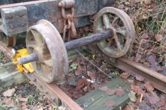 Phil has just delivered a waggon wheelset recovered from 'Ralltgoed some time ago (and removed some good pallets he had a use for).