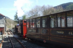 … until No. 7 and train heads off to Corris once more.