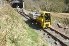 … while drivers re-acquaint themselves with the controls of Battery Electric loco No. 9.