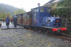 … while the train heads up to Corris to make repeated runs for the benefit of Guards with the new arrangements at that end of the line – despite persistent (and heavy!) rain.