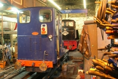 Sunday, 4.9.2016. While No. 7 is out working trains, Trefor & Simon undertake maintenance work on locos 6 & 11 …